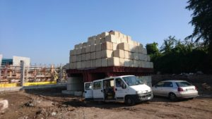 Load test on foundation pole with ballast-load Max 1,000 tonnes